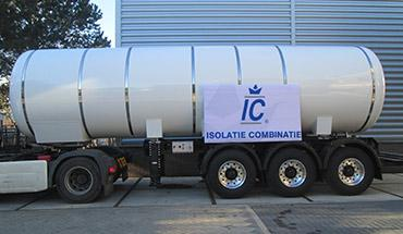 Insulation of trailers and tanks for cold transport of CO2